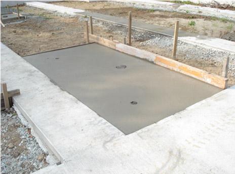 コンクリートを打ち、基礎の完成です